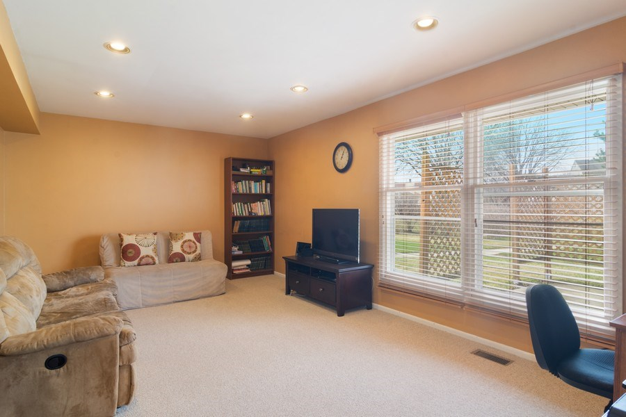 Real Estate Photography - 330 Ronnie Drive, Buffalo Grove, IL, 60089 - Family Room