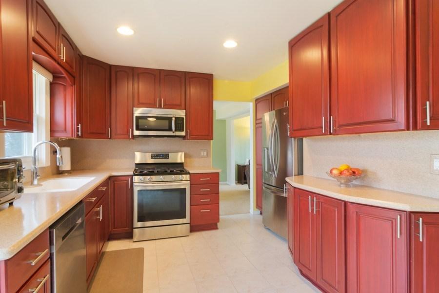 Real Estate Photography - 330 Ronnie Drive, Buffalo Grove, IL, 60089 - Kitchen