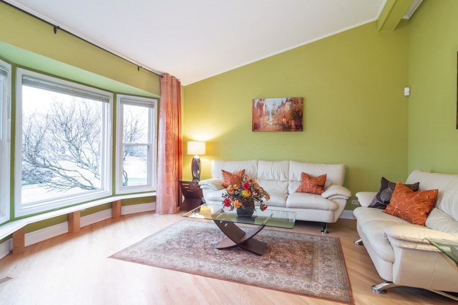 Real Estate Photography - 983 Shady Tree Lane, Wheeling, IL, 60090 - Living Room