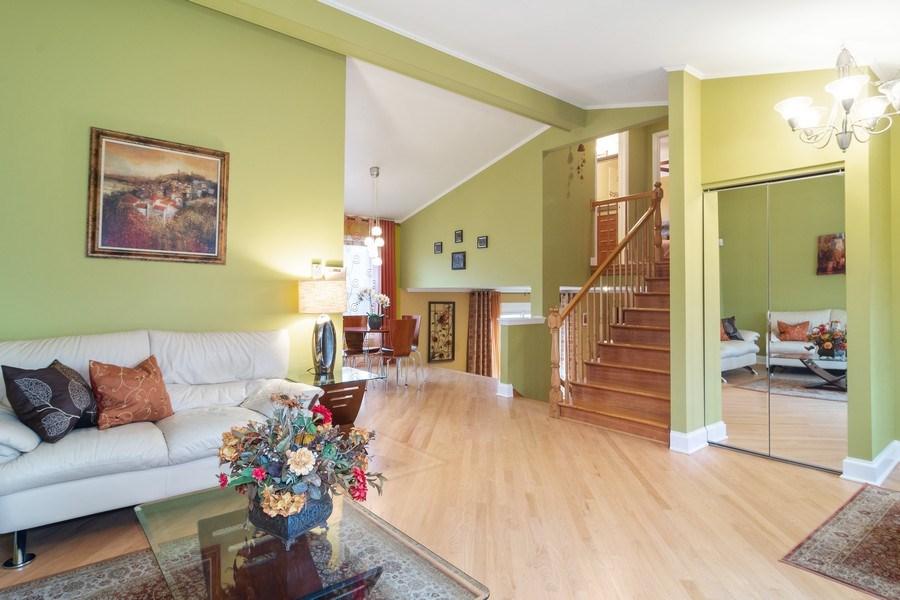 Real Estate Photography - 983 Shady Tree Lane, Wheeling, IL, 60090 - Great Room