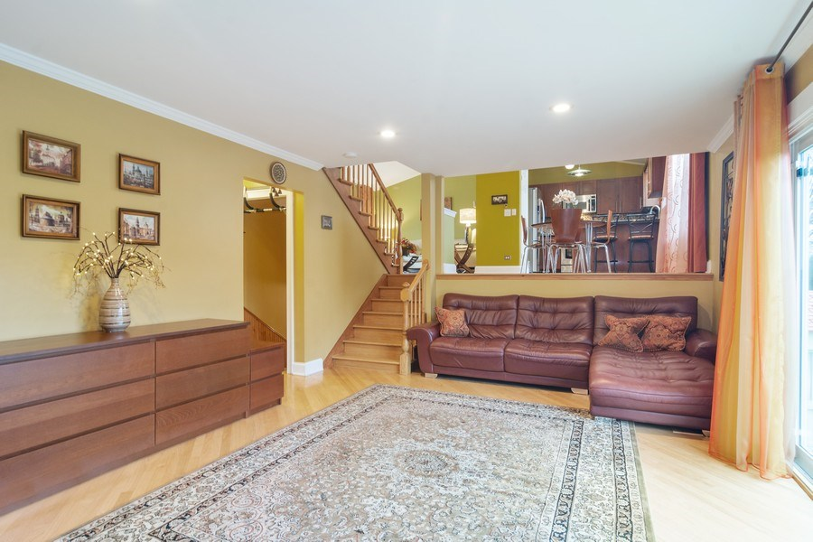 Real Estate Photography - 983 Shady Tree Lane, Wheeling, IL, 60090 - Family Room / Kitchen