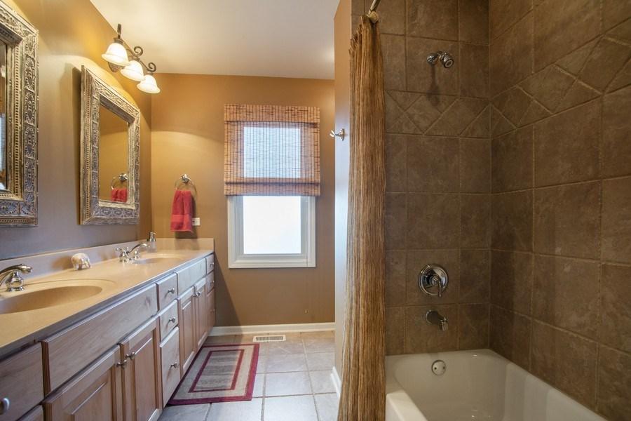 Real Estate Photography - 204 Plum Grove Circle, Arlington Heights, IL, 60004 - 4th Bathroom