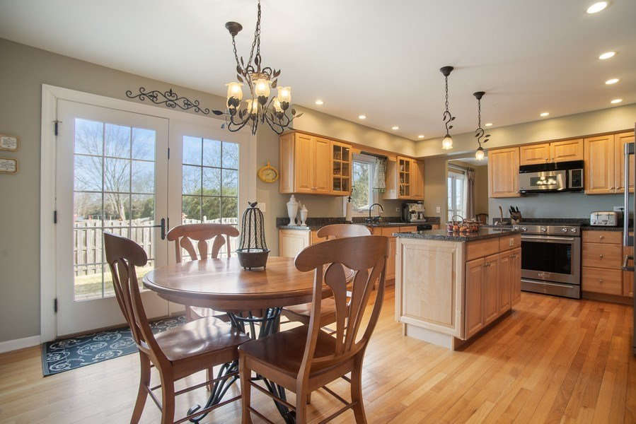 Real Estate Photography - 204 Plum Grove Circle, Arlington Heights, IL, 60004 - Dining Room