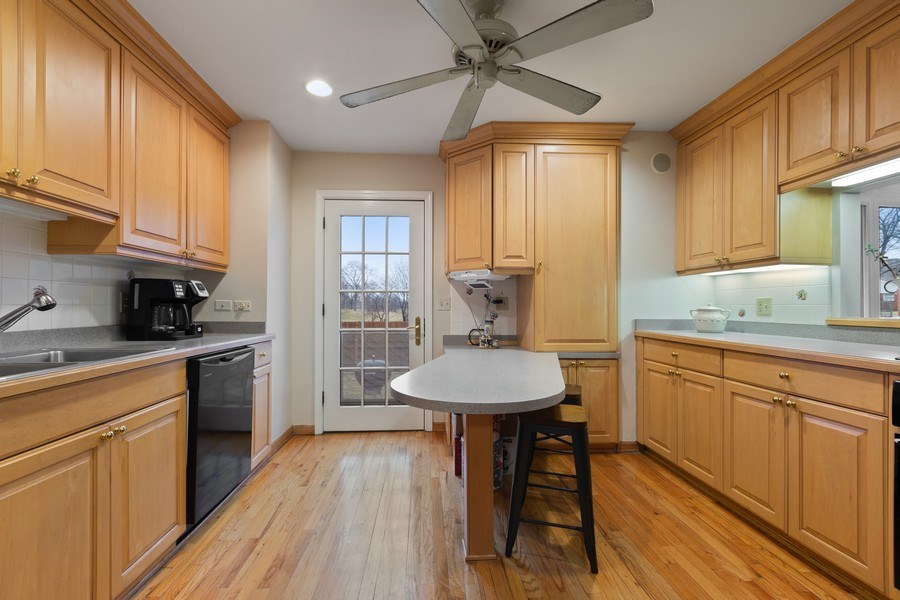 Real Estate Photography - 58 Golf Ave., Clarendon Hills, IL, 60514 - Kitchen