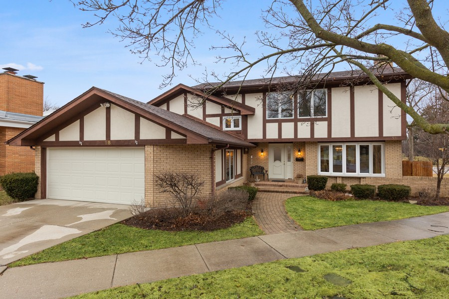Real Estate Photography - 58 Golf Ave., Clarendon Hills, IL, 60514 - Front of Home