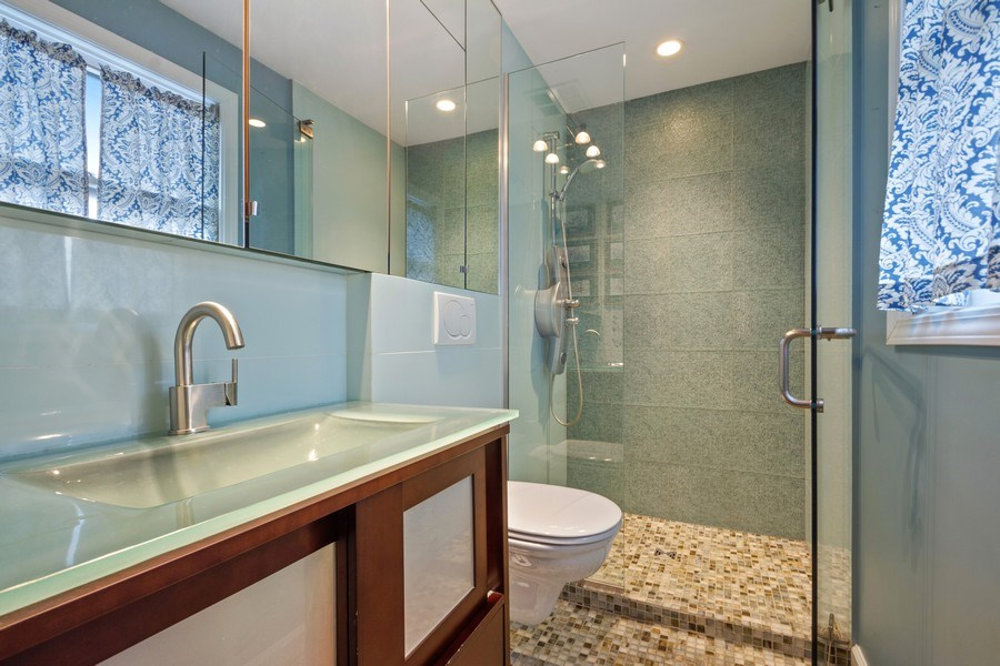Real Estate Photography - 3117 Sandy, Glenview, IL, 60026 - Master Bathroom