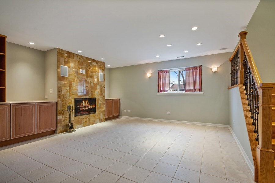 Real Estate Photography - 3117 Sandy, Glenview, IL, 60026 - Lower Level