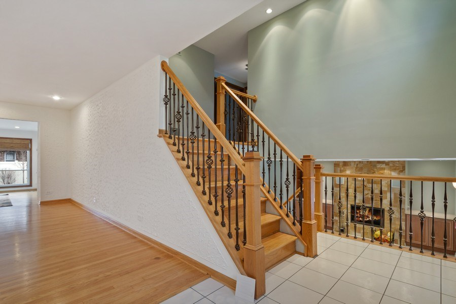 Real Estate Photography - 3117 Sandy, Glenview, IL, 60026 - Foyer