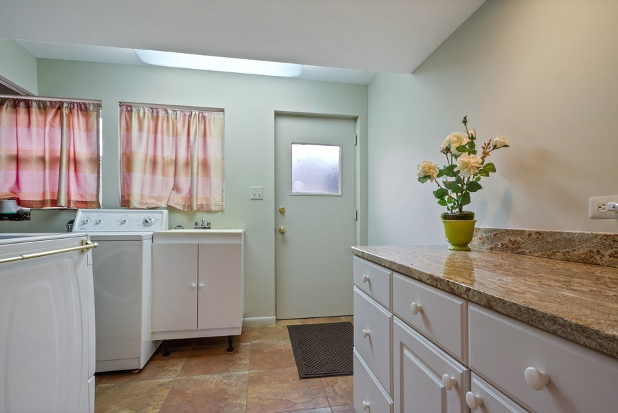 Real Estate Photography - 3117 Sandy, Glenview, IL, 60026 - Laundry Room