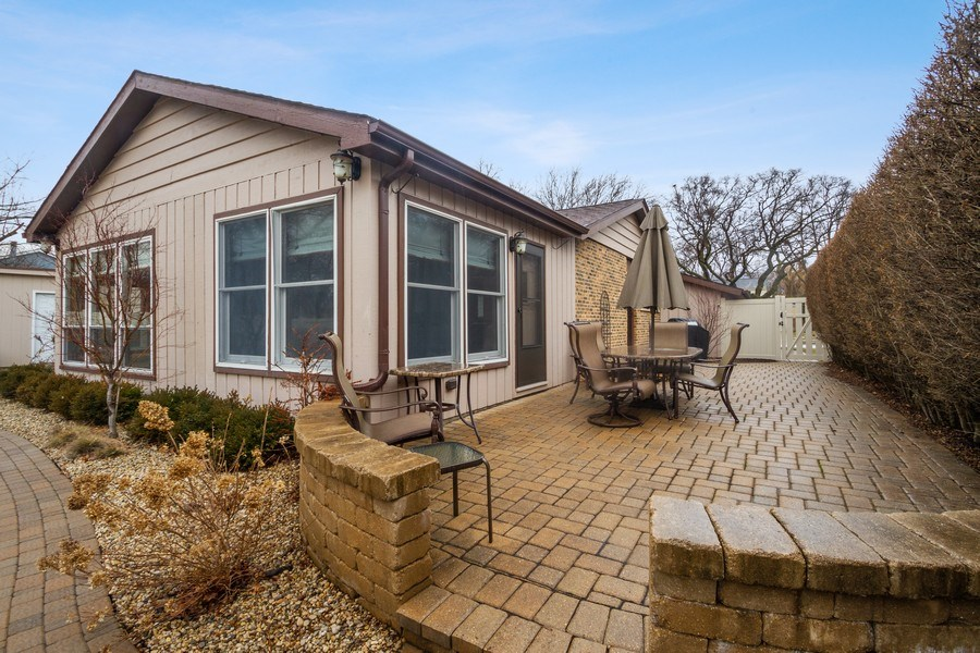 Real Estate Photography - 3117 Sandy, Glenview, IL, 60026 - Patio