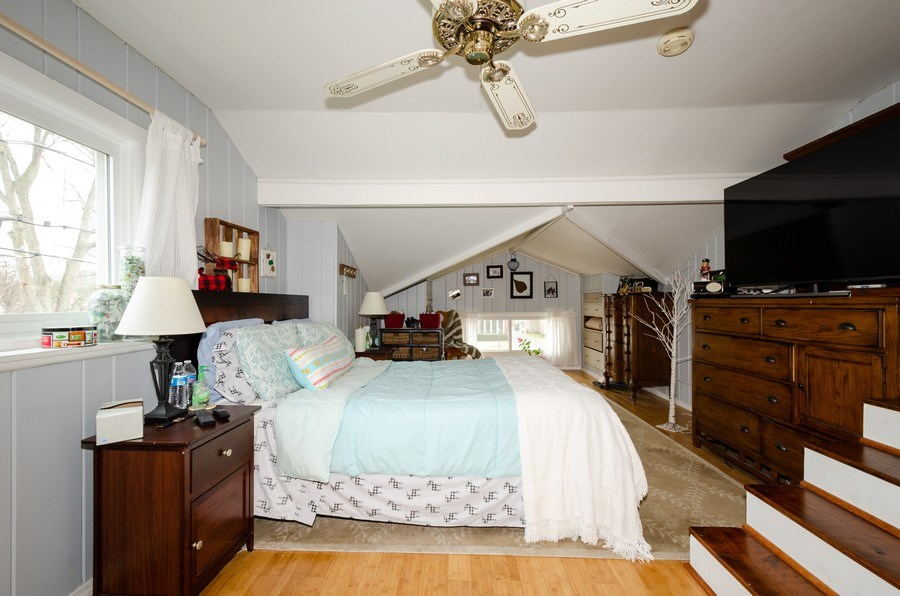 Real Estate Photography - 28 Ardmore, Glenview, IL, 60025 - Master Bedroom