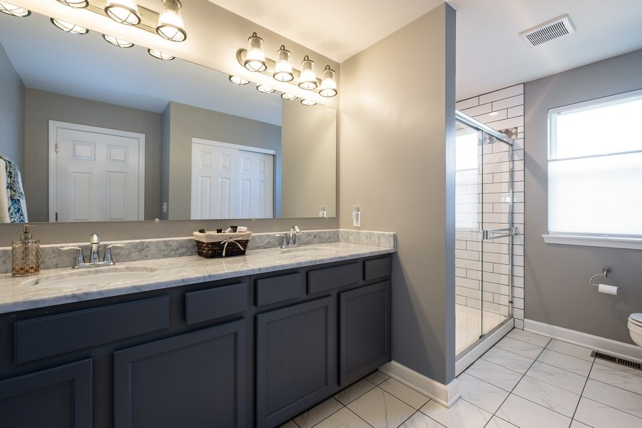 Real Estate Photography - 86 Gala Dr, Mundelein, IL, 60060 - Master Bathroom