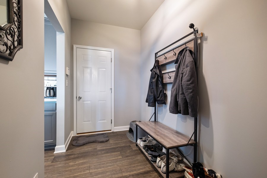 Real Estate Photography - 86 Gala Dr, Mundelein, IL, 60060 - Mudroom