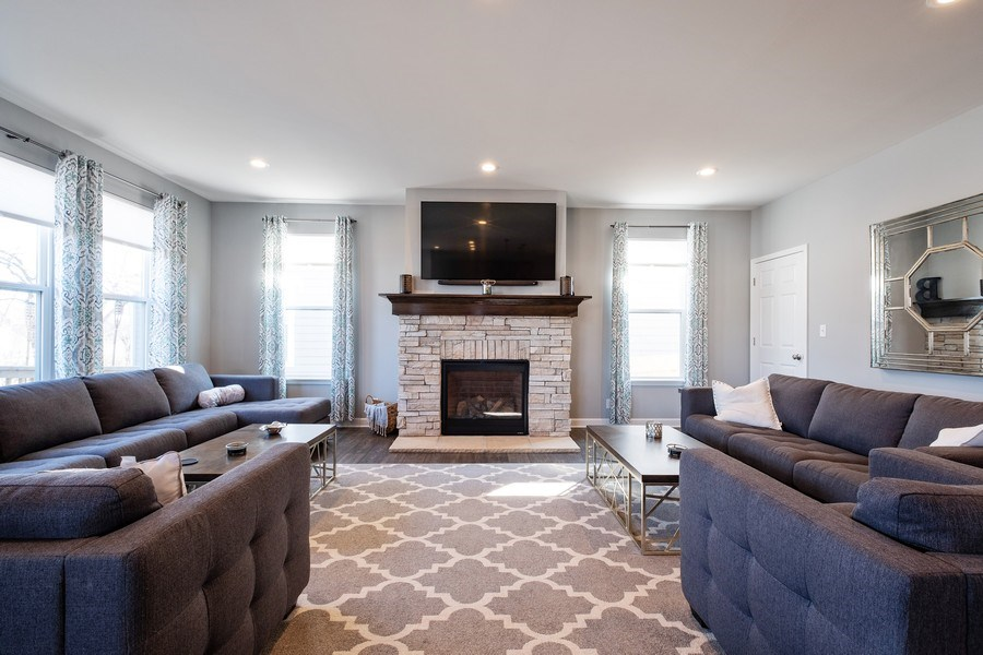 Real Estate Photography - 86 Gala Dr, Mundelein, IL, 60060 - Family Room