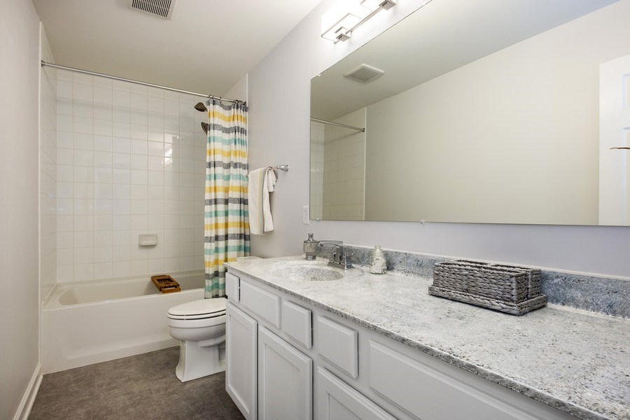 Real Estate Photography - 86 Gala Dr, Mundelein, IL, 60060 - 2nd Bathroom
