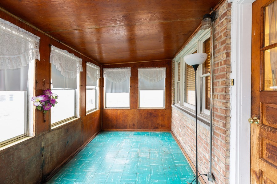 Real Estate Photography - 12904 Carondolet, Chicago, IL, 60633 - Great Room