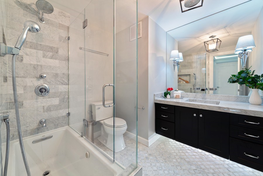 Real Estate Photography - 505 N Lake Shore Drive, Unit 5801, Chicago, IL, 60611 - 2nd bathroom