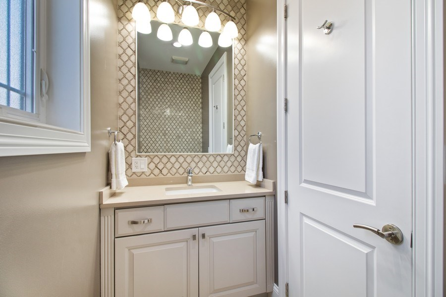 Real Estate Photography - 706 Justina, Hinsdale, IL, 60521 - Bathroom