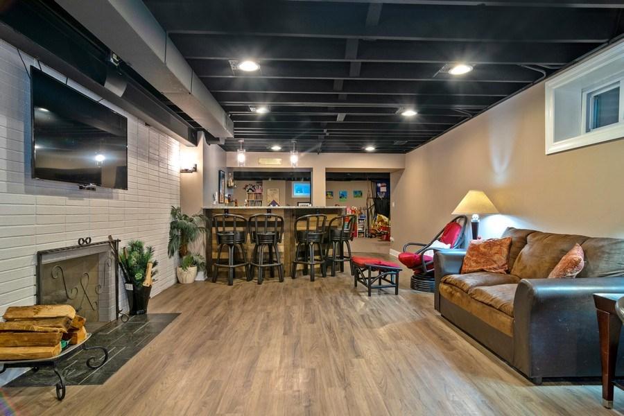 Real Estate Photography - 172 Cranston Court, Glen Ellyn, IL, 60137 -