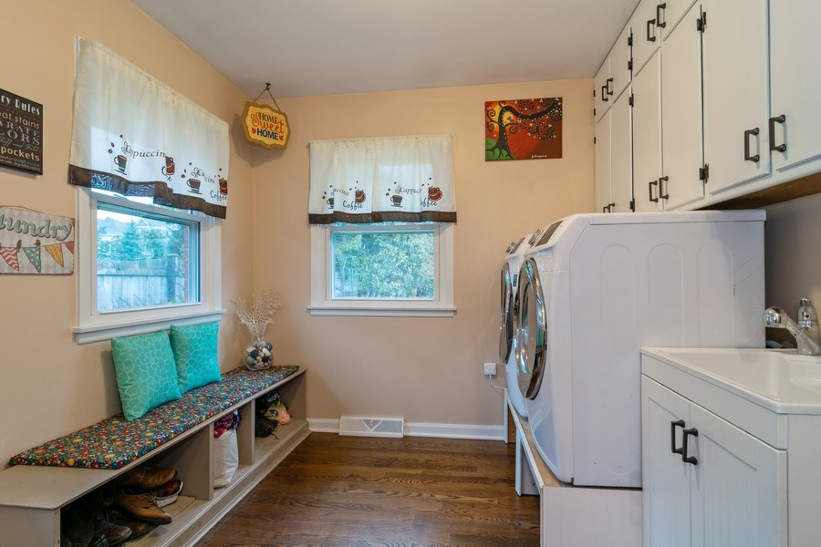 Real Estate Photography - 172 Cranston Court, Glen Ellyn, IL, 60137 - Laundry Room