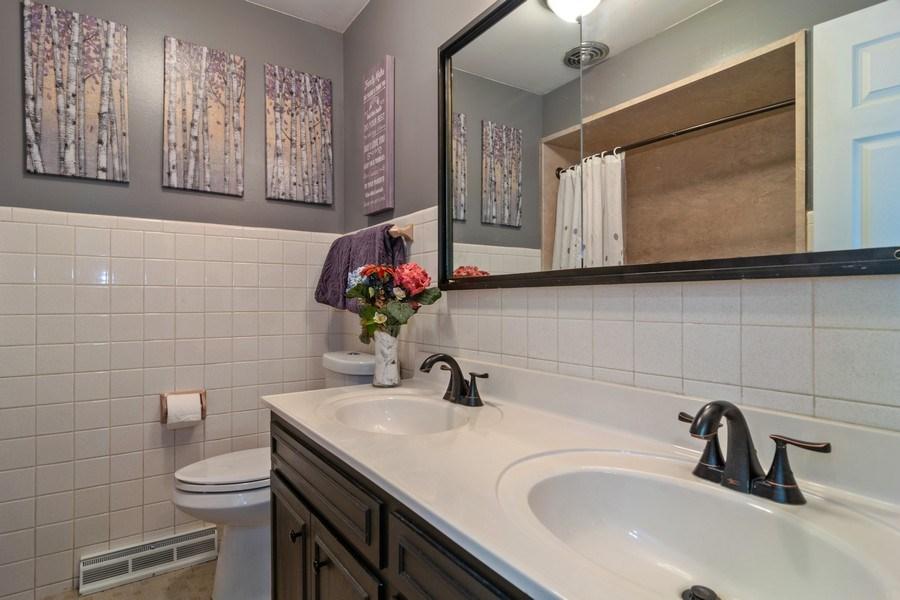 Real Estate Photography - 172 Cranston Court, Glen Ellyn, IL, 60137 - Bathroom