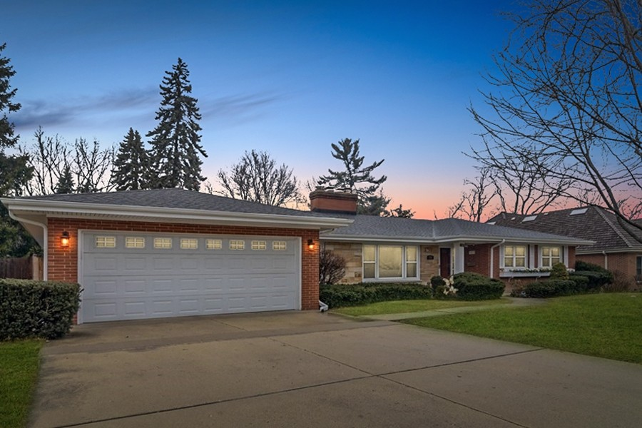Real Estate Photography - 172 Cranston Court, Glen Ellyn, IL, 60137 - Front