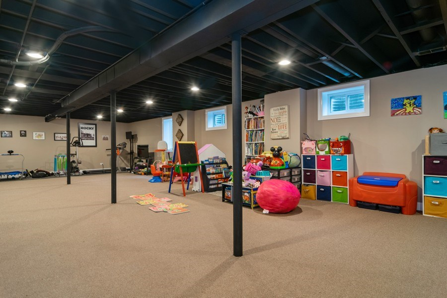Real Estate Photography - 172 Cranston Court, Glen Ellyn, IL, 60137 - Play / Recreational Room