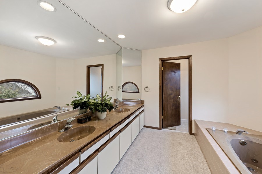 Real Estate Photography - 4980 Thornbark Dr., Hoffman Estates, IL, 60010 - Master Bathroom