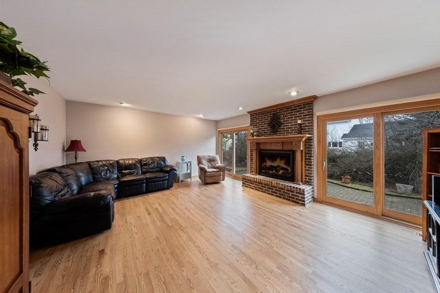 Real Estate Photography - 4980 Thornbark Dr., Hoffman Estates, IL, 60010 - Family Room