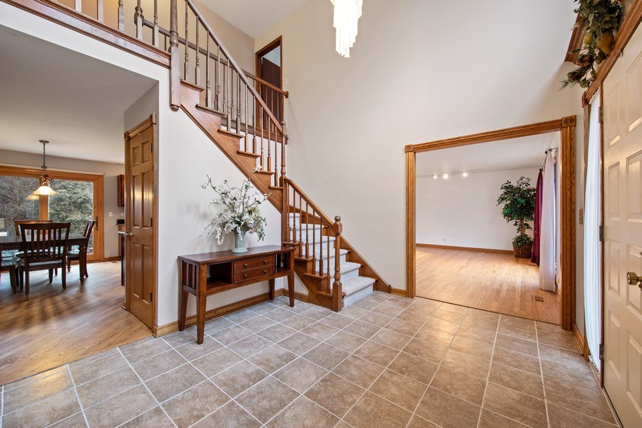 Real Estate Photography - 4980 Thornbark Dr., Hoffman Estates, IL, 60010 - Foyer