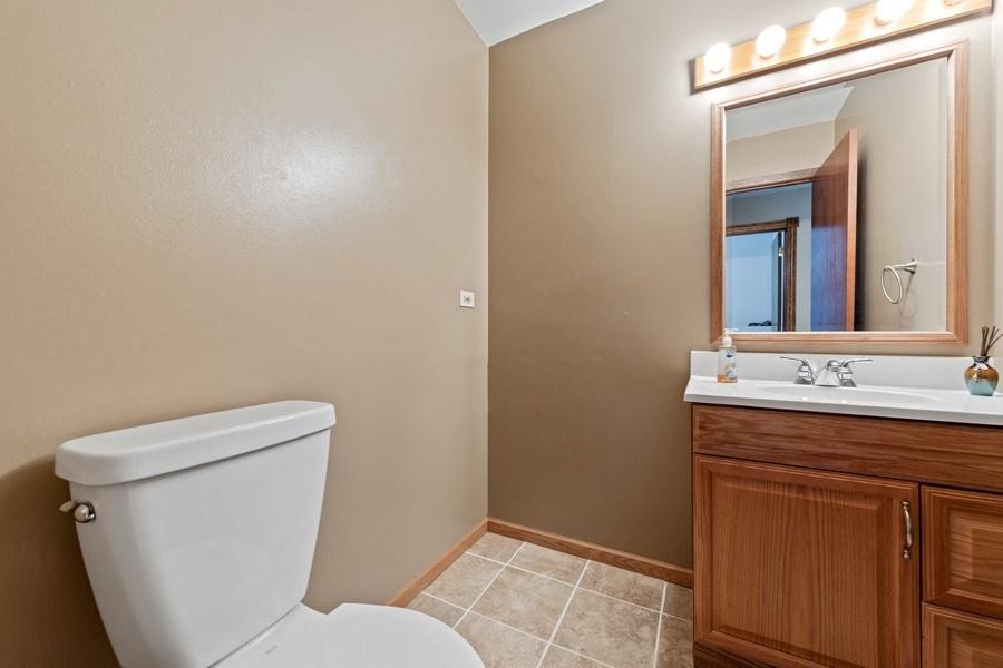 Real Estate Photography - 4980 Thornbark Dr., Hoffman Estates, IL, 60010 - Half Bath