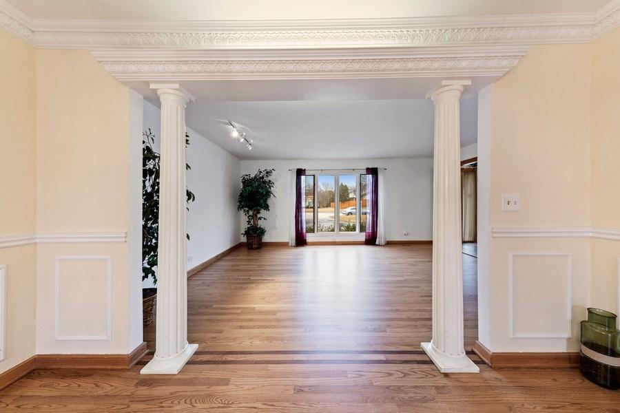 Real Estate Photography - 4980 Thornbark Dr., Hoffman Estates, IL, 60010 - Living Room / Dining Room