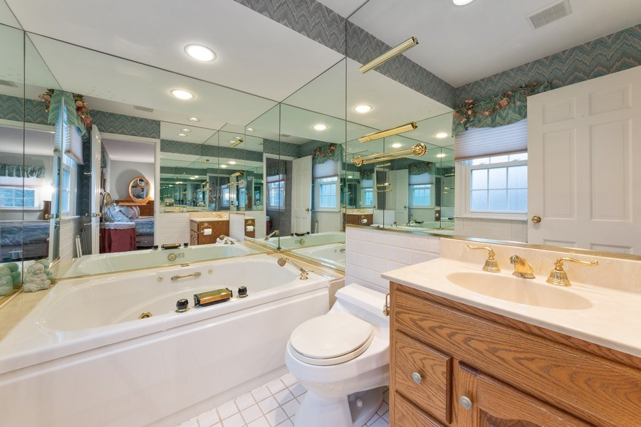 Real Estate Photography - 317 Canterbury Ln, Inverness, IL, 60010 - Master Bathroom