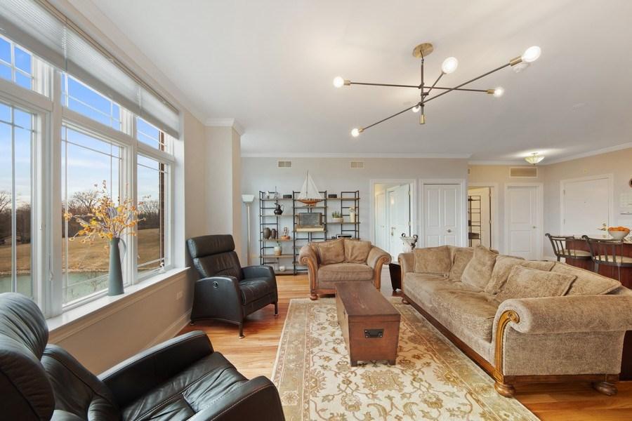 Real Estate Photography - 115 PRAIRIE PARK DR., UNIT 306, WHEELING, IL, 60090 - Living Room