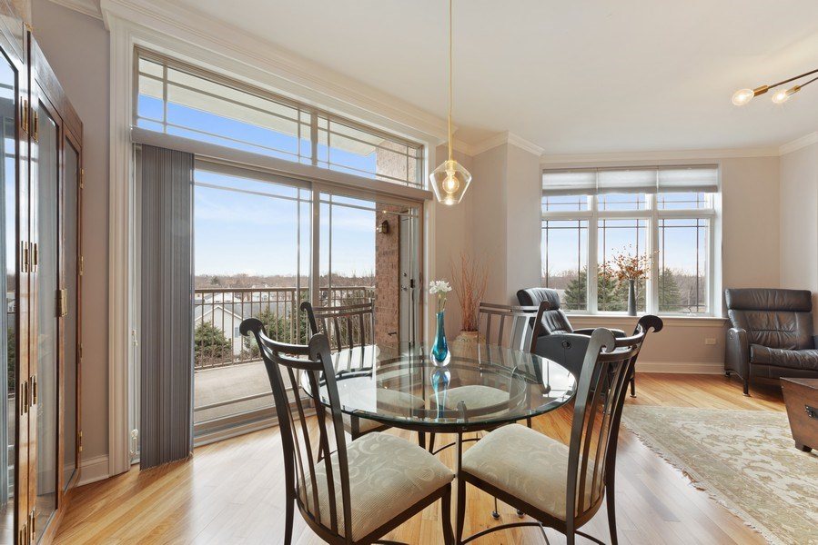 Real Estate Photography - 115 PRAIRIE PARK DR., UNIT 306, WHEELING, IL, 60090 - Dining Room