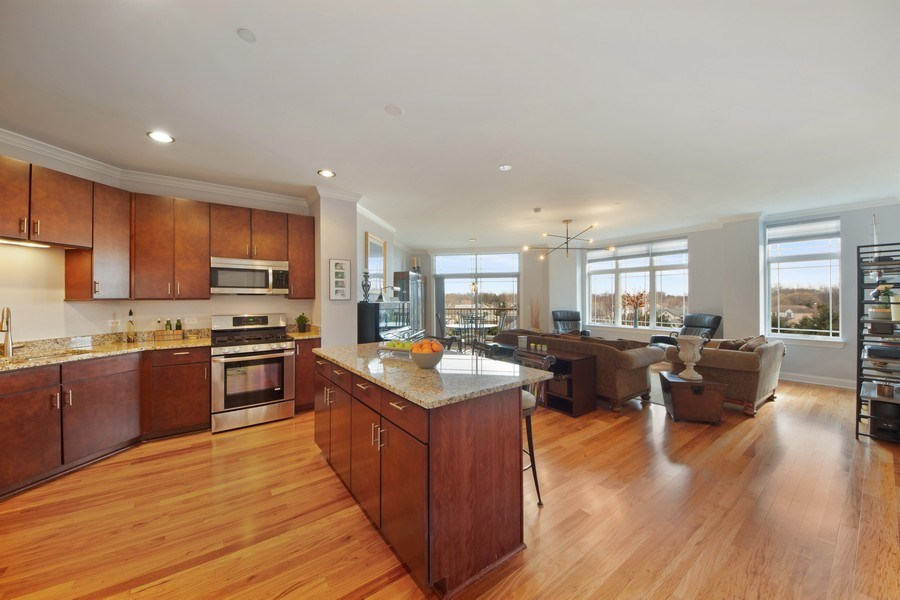 Real Estate Photography - 115 PRAIRIE PARK DR., UNIT 306, WHEELING, IL, 60090 - Great Room