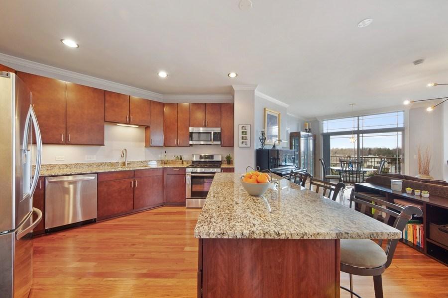 Real Estate Photography - 115 PRAIRIE PARK DR., UNIT 306, WHEELING, IL, 60090 - Kitchen