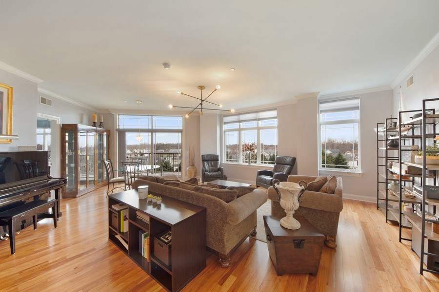 Real Estate Photography - 115 PRAIRIE PARK DR., UNIT 306, WHEELING, IL, 60090 - Living Room / Dining Room