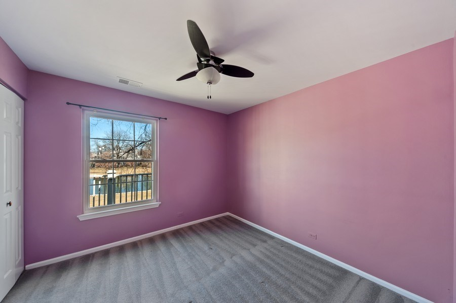 Real Estate Photography - 117B Rob Roy, Second flr, Prospect Hgts, IL, 60070 - Bedroom 2