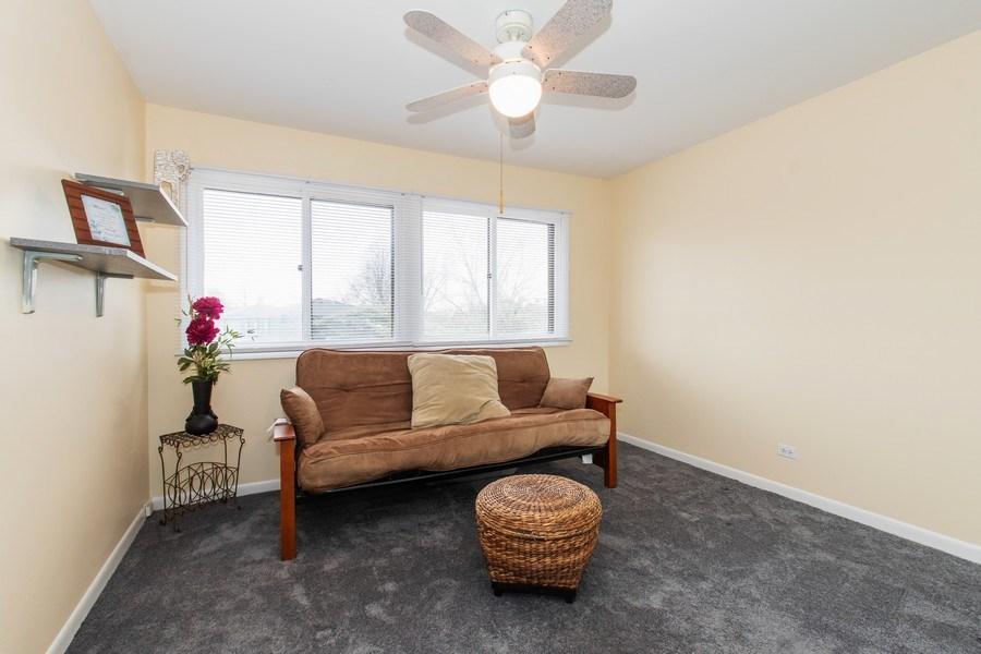 Real Estate Photography - 890 Swan, Deerfield, IL, 60015 - Bedroom