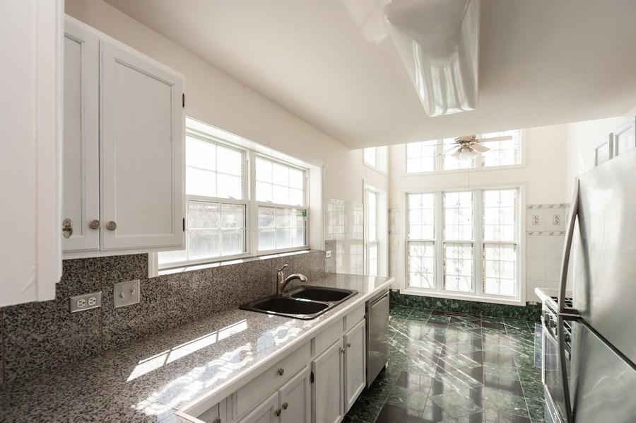 Real Estate Photography - 735 D Brookvale Drive, Wheeling, IL, 60090 - Kitchen