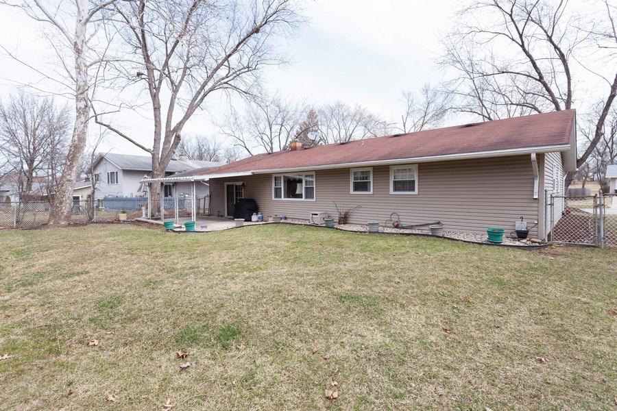 Real Estate Photography - 6418 WINSTON DRIVE, WOODRIDGE, IL, 60517 - Rear View
