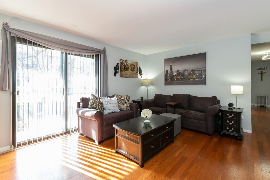 Real Estate Photography - 639 Virginia Ave #120, Crystal Lake, IL, 60014 - Great Room
