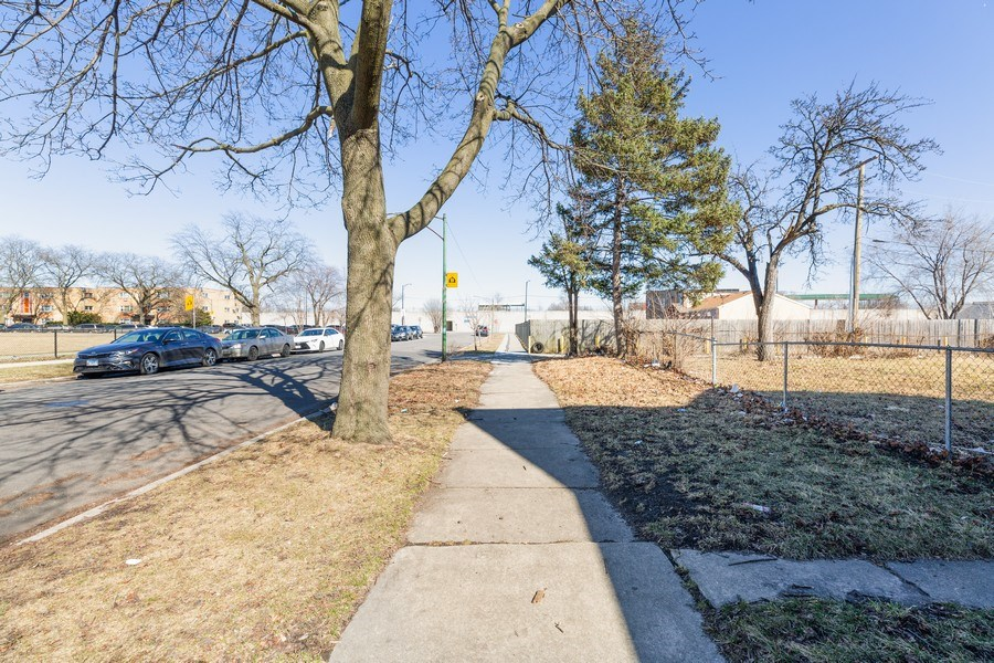 Real Estate Photography - 851 W 86th St, Chicago, IL, 60620 - Front View