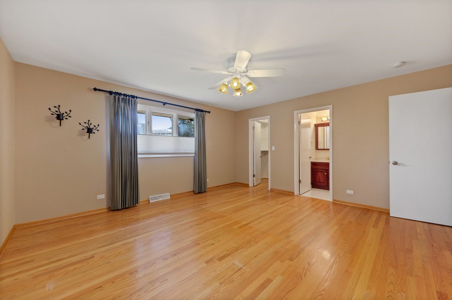 Real Estate Photography - 3811 Candlewood Ct, Downers Grove, IL, 60515 - Master Bedroom