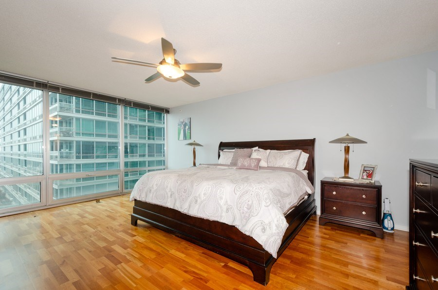 Real Estate Photography - 9725 Woods Dr, 1215, Skokie, IL, 60077 - Master Bedroom