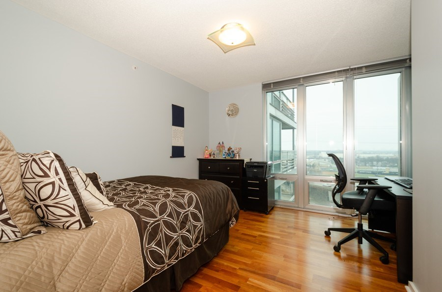 Real Estate Photography - 9725 Woods Dr, 1215, Skokie, IL, 60077 - 2nd Bedroom