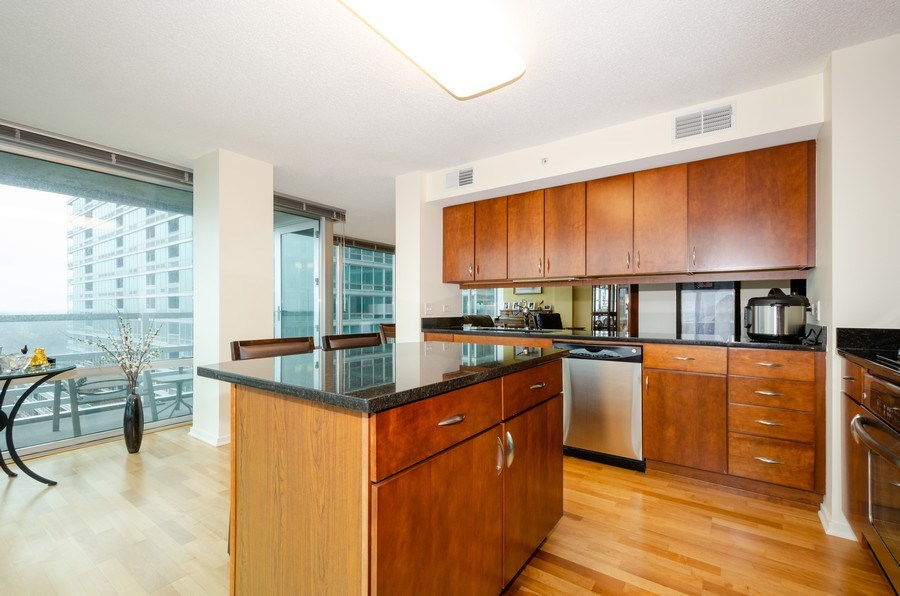 Real Estate Photography - 9725 Woods Dr, 1215, Skokie, IL, 60077 - Kitchen