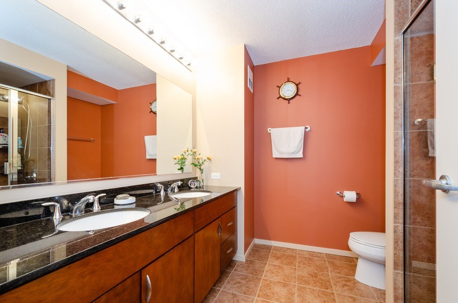 Real Estate Photography - 9725 Woods Dr, 1215, Skokie, IL, 60077 - 2nd Bathroom
