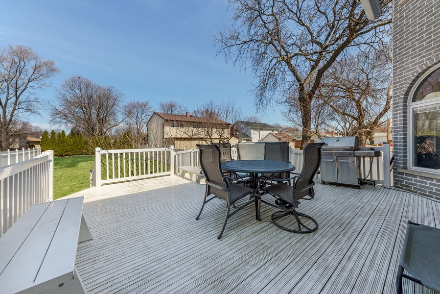 Real Estate Photography - 716 Howard, Des Plaines, IL, 60018 - Deck